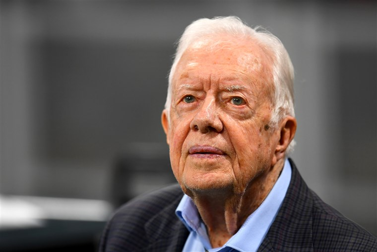 Former President Carter Back to Building Homes One Day After Fall